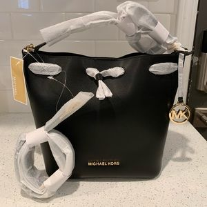 NWT Michael kors eden bucket bag